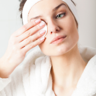 5 Things You Do With Makeup That Harms Your Eyes