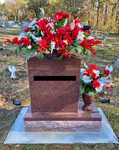 Grave Arrangement S32
