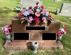 Grave Arrangement S48