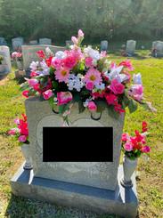 Grave Arrangement S45
