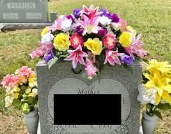 Grave Arrangement S22
