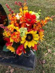 Grave Arrangement S14