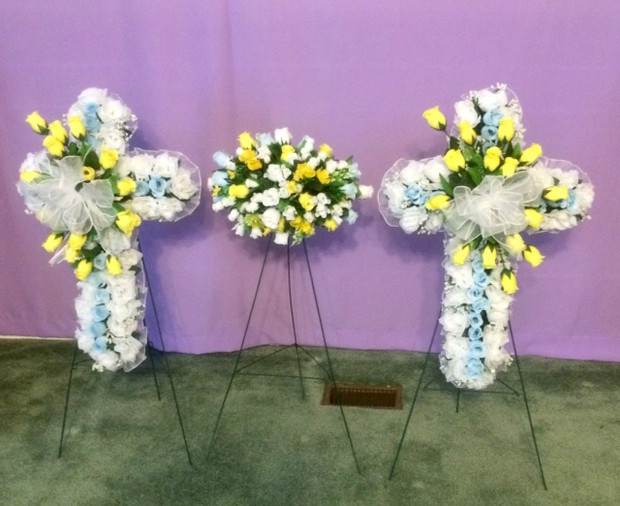 Baby Cross and Casket Spray S33