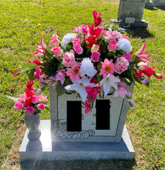 Grave Arrangement S44