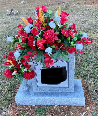Grave Arrangement S31