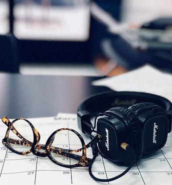 black-marshall-headphones-935890.jpg