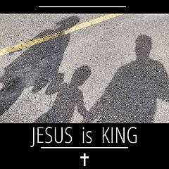 Family shadow pic - Jesus is King border