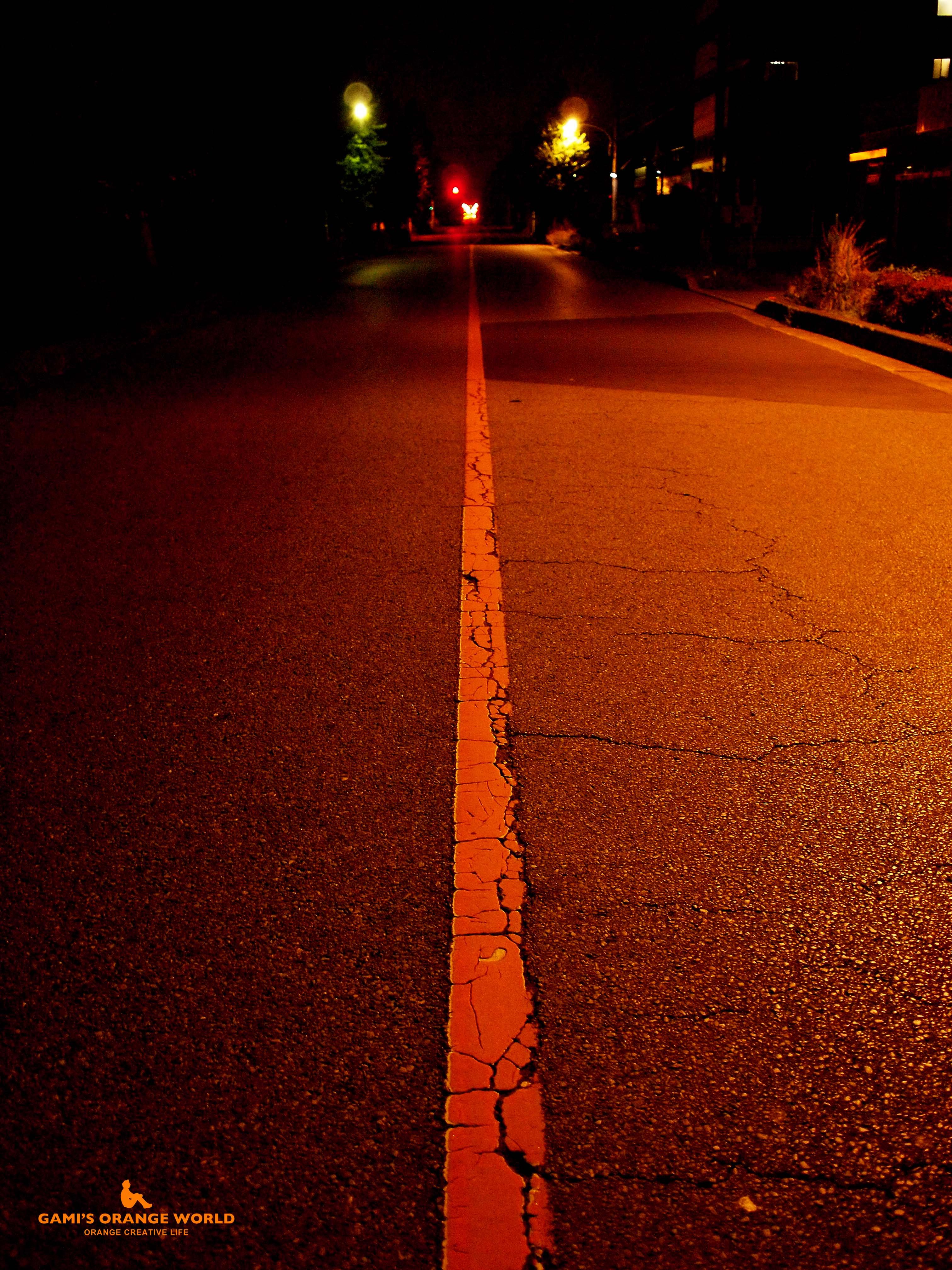 0352夜のオレンジの車線 のコピー