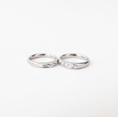 """""""Love Filght"""" Wedding Rings"""