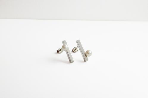 Little Light Pearl Earrings