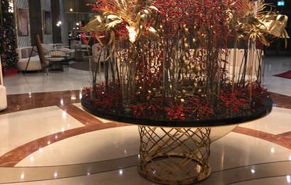 Lobby_Christmas_Decorations_Bucharest.jp