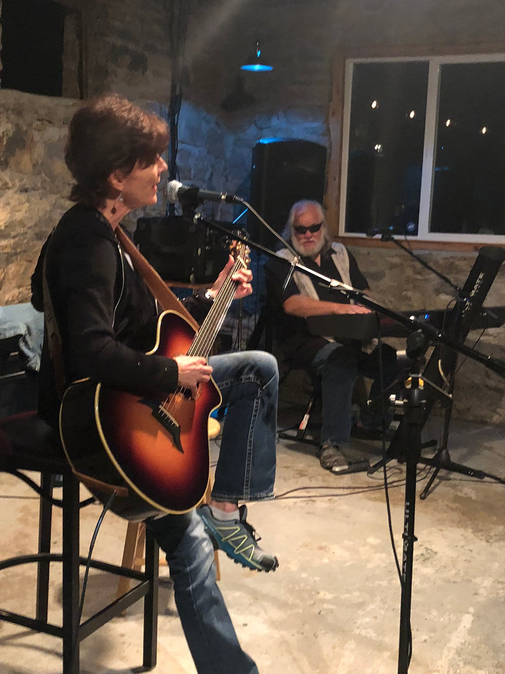 Kim McLean and Johnny Neel jamming at Songwriter Salon at the 7695