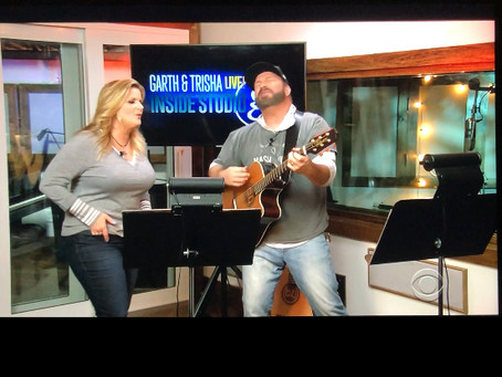 "Garth Brooks and Trisha Yearwood Perform ""She's Tired of Boys"" on CBS Live"