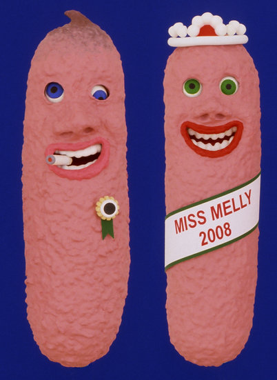MISS MELLY & FRIEND (Wood, Paint / 2 Objects: 12 x 3 cm)
