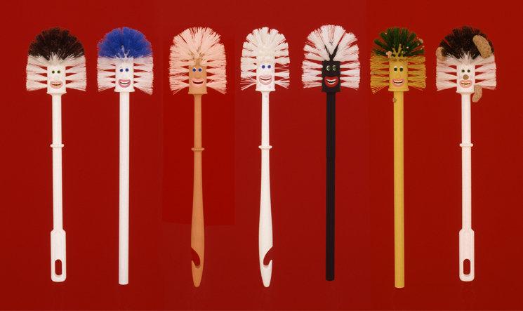 TOILET BRUSHES (Plastic, Paint / 7 Brushes: 50 X 72 cm