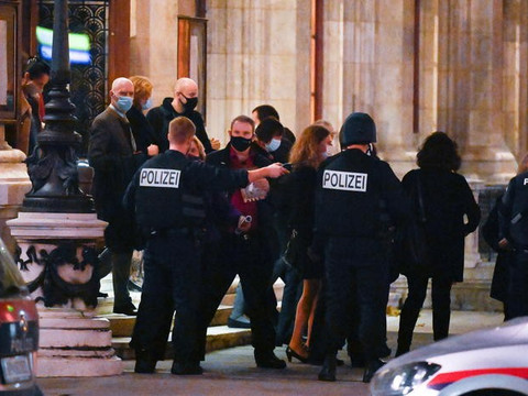 Vienna, Nizza e Lione, il terrorismo approfitta della pandemia