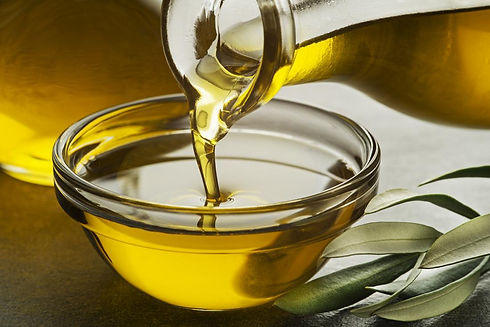 cooking-oil-being-poured-into-a-bowl.jpg