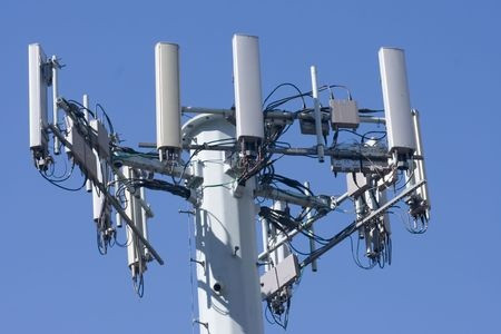 Cellular networks and connected devices vulnerable to SS7 and IMSI catcher attacks