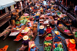 Floating-Markets-Of-Bangkok-Damnoen-Sadu