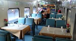Thailand-train-restaurant-4