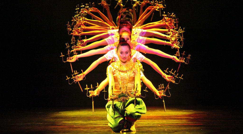 5Smile-of-Angkor-Show