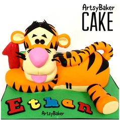 Tigger Whinnie The Pooh Cake