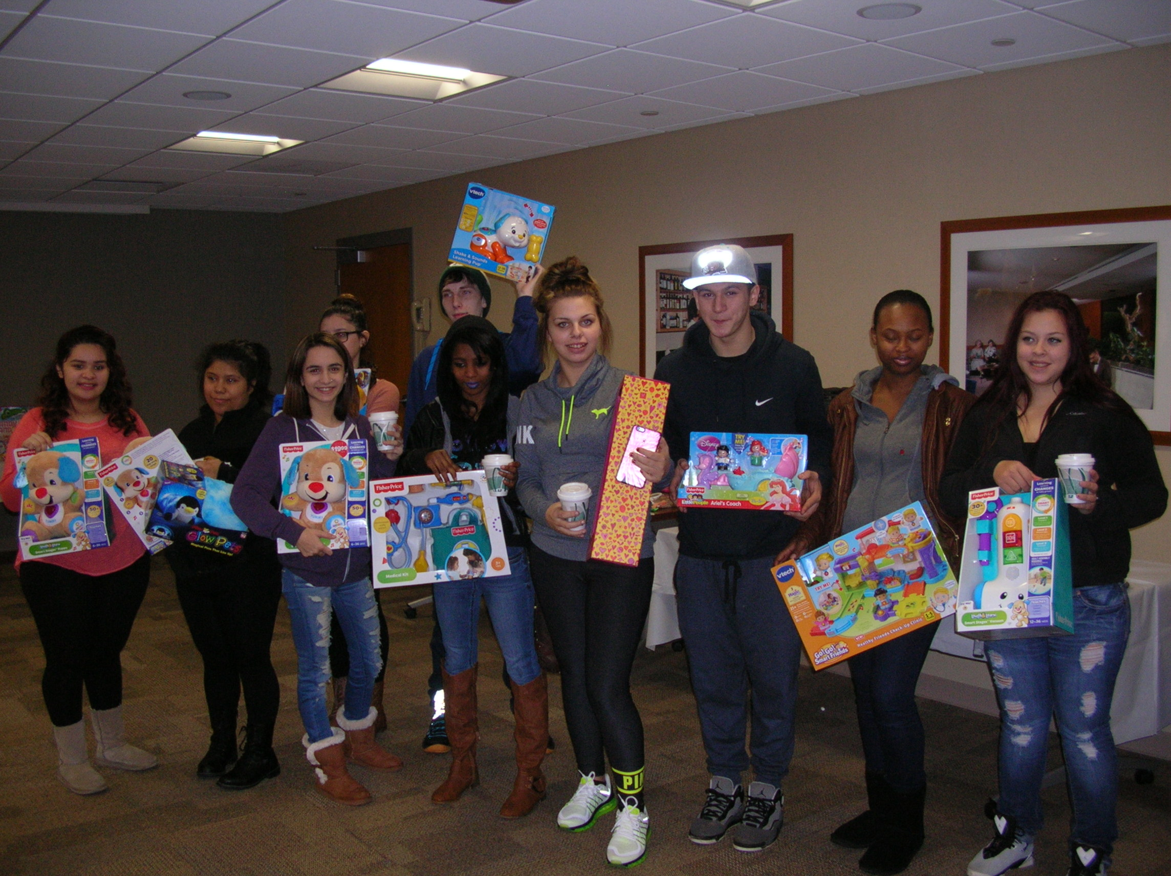Students with Toys 2015 (I)