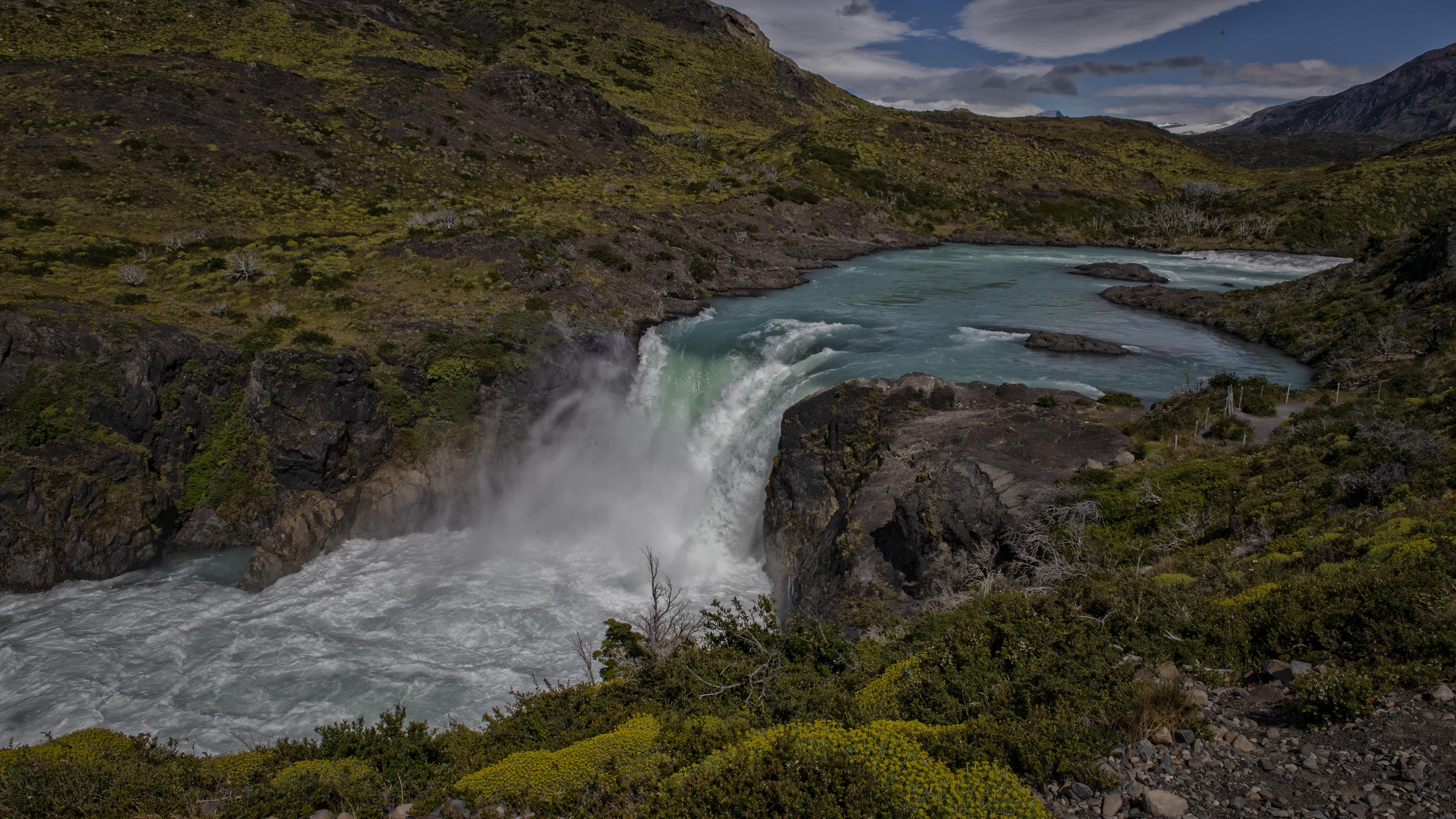 UHD_Chile_PuertoNatales_Torres del Paine