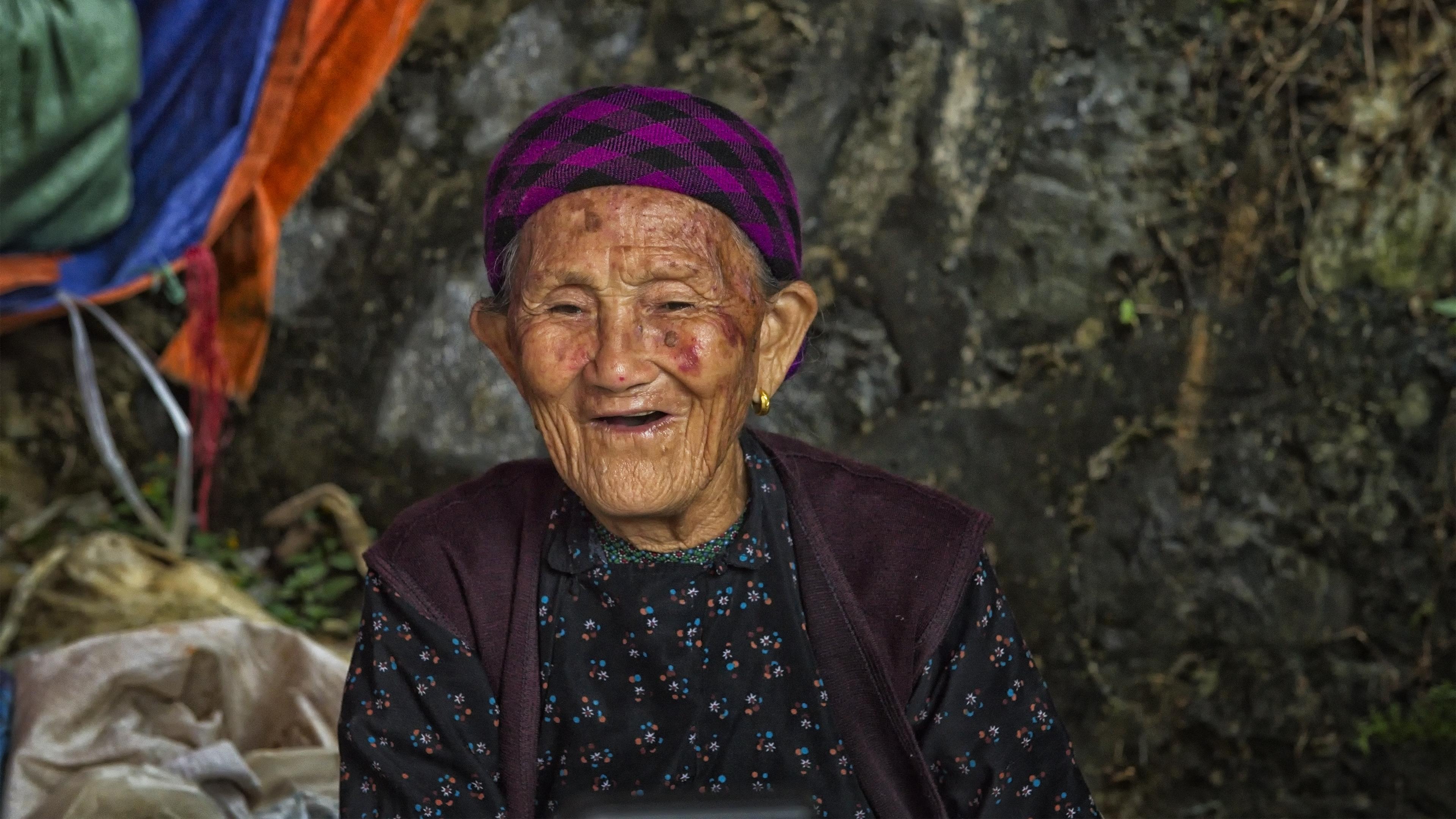 Happy smiles in Lao Cai