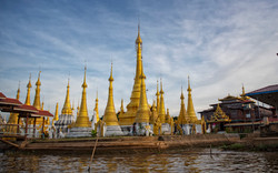 Inle lake Discovery (Indein Pagoda)