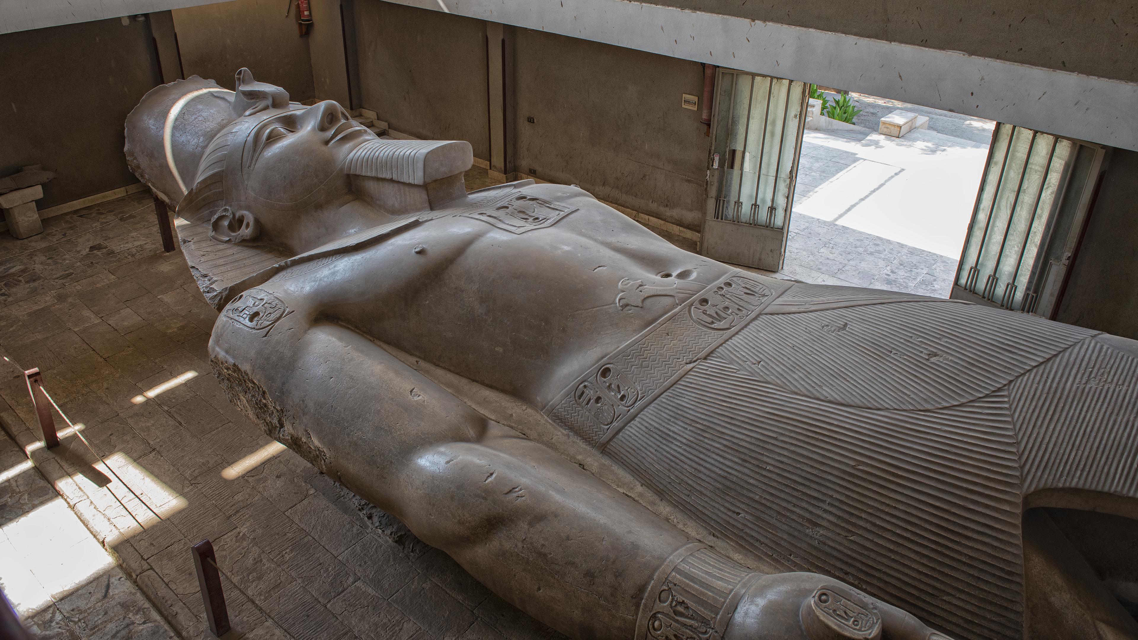 Giant Egypt Statue of Pharaoh