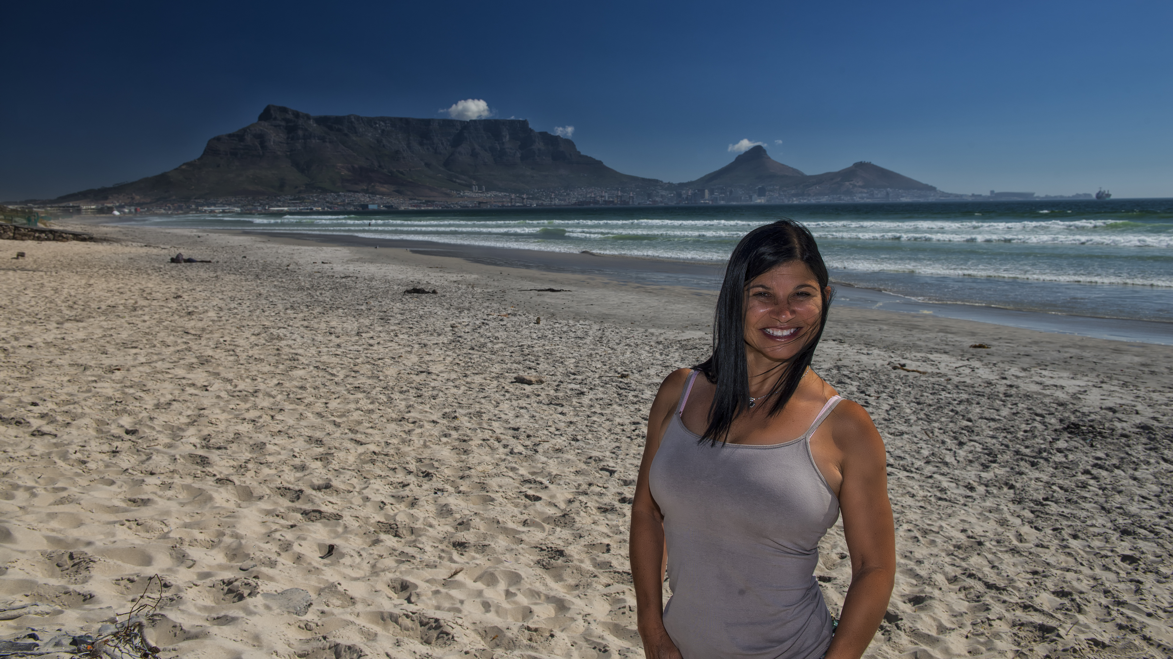 UHD_SouthAfrica_CapeTown_DRJ2498_