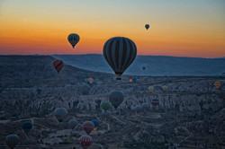 Morning balloon flight
