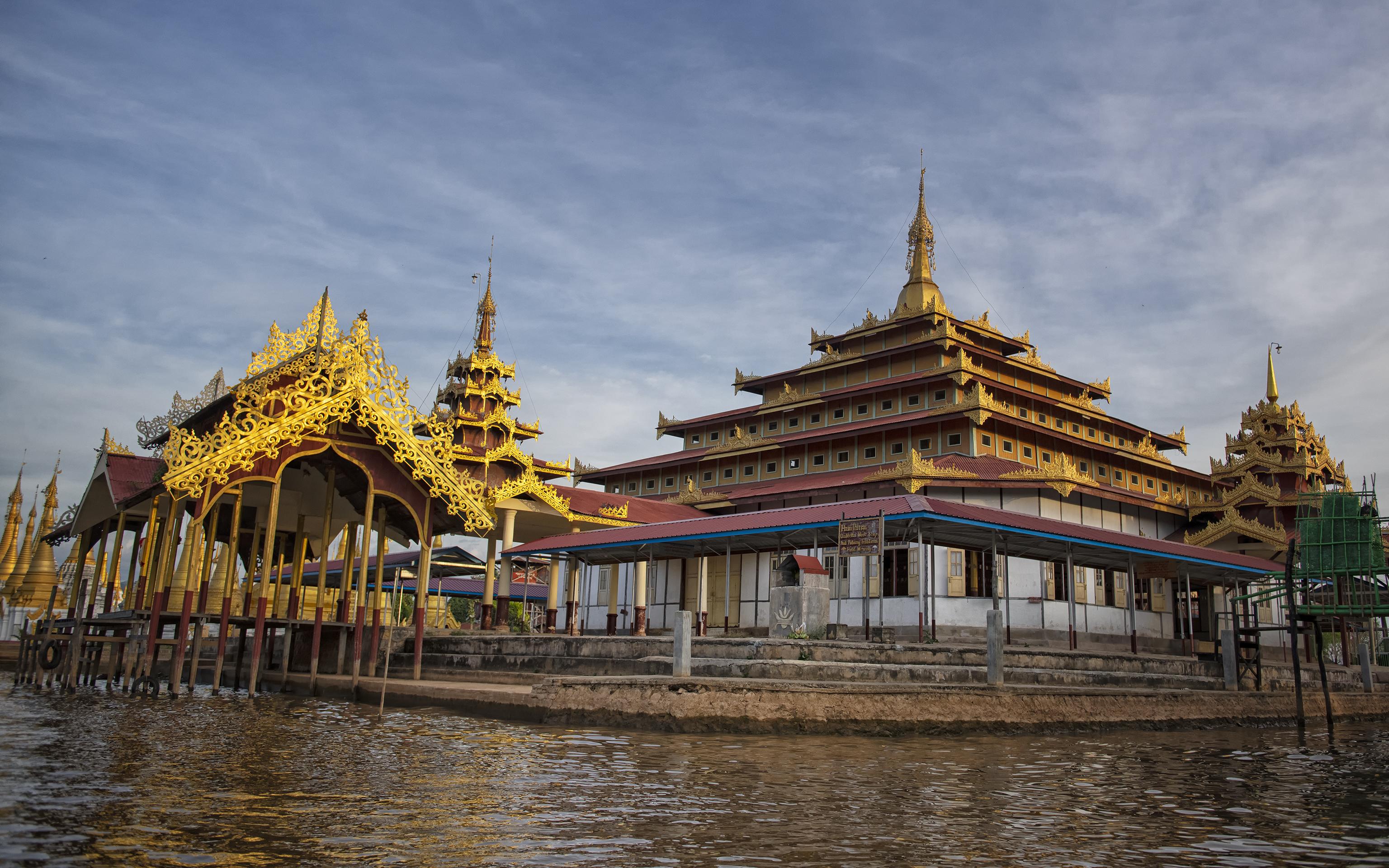 Indein Stupas Pagodas