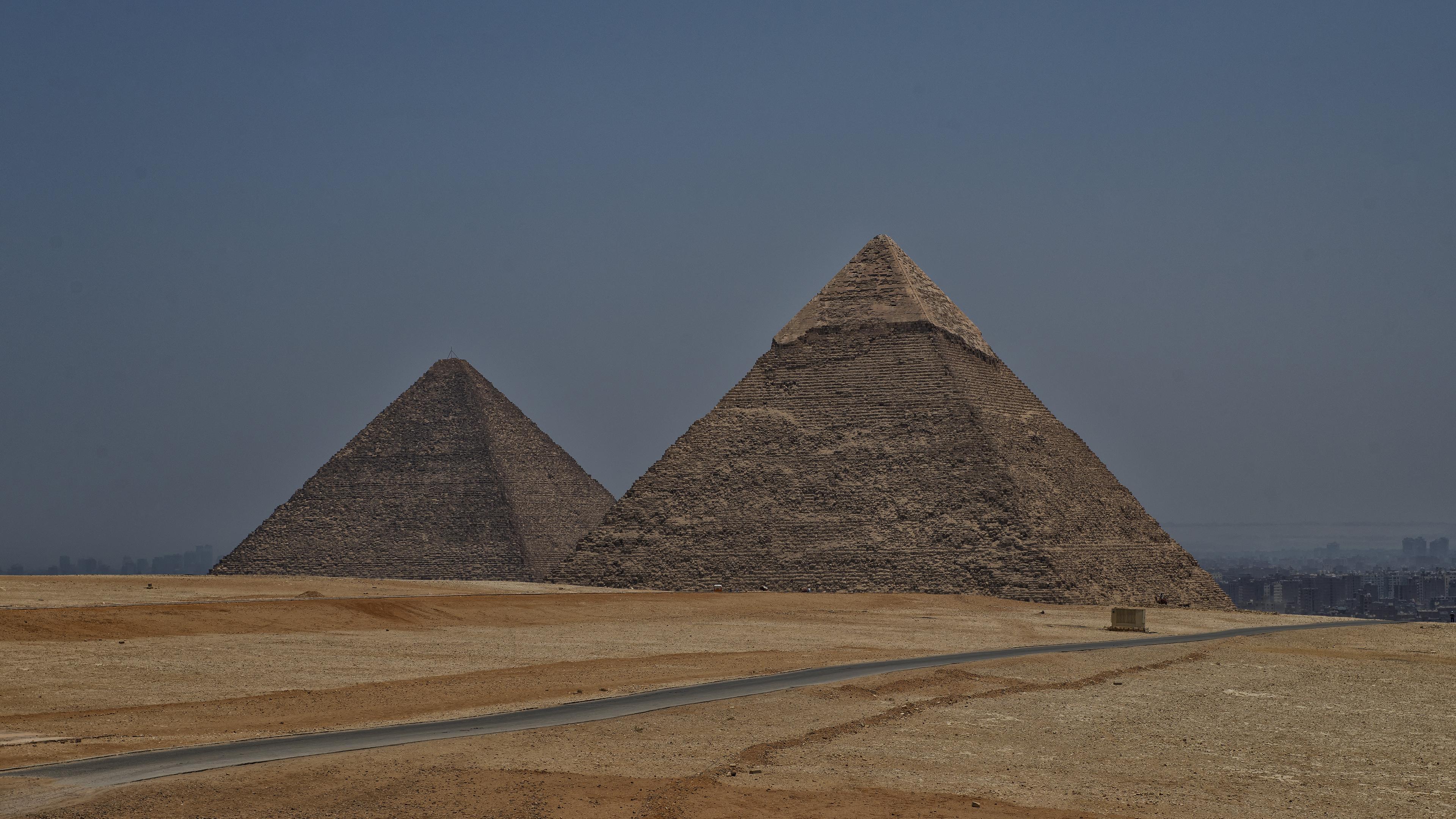 Pyramid of Khafre, The Great Pyramid