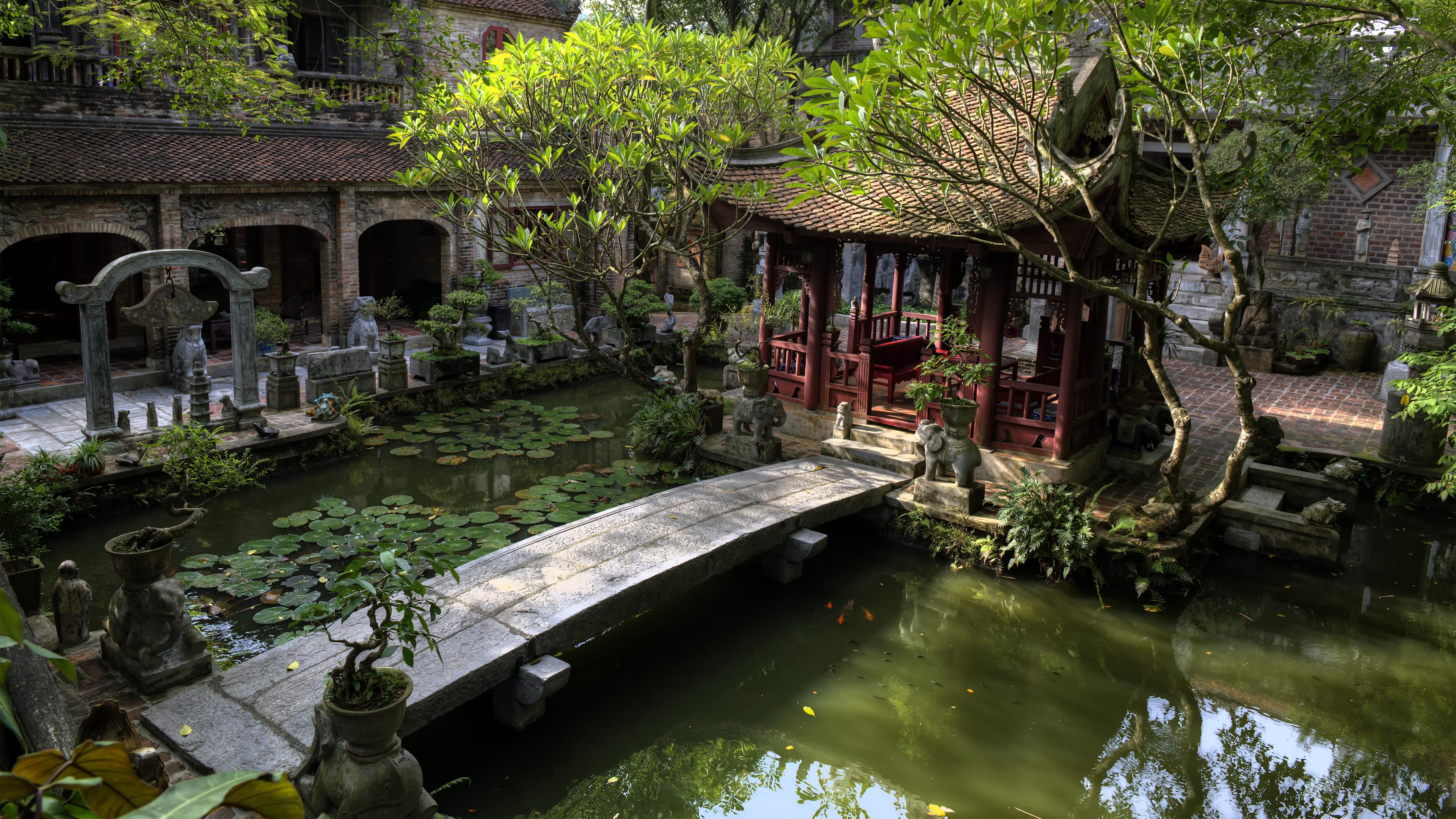 Inside the Việt Phủ Thành Chương