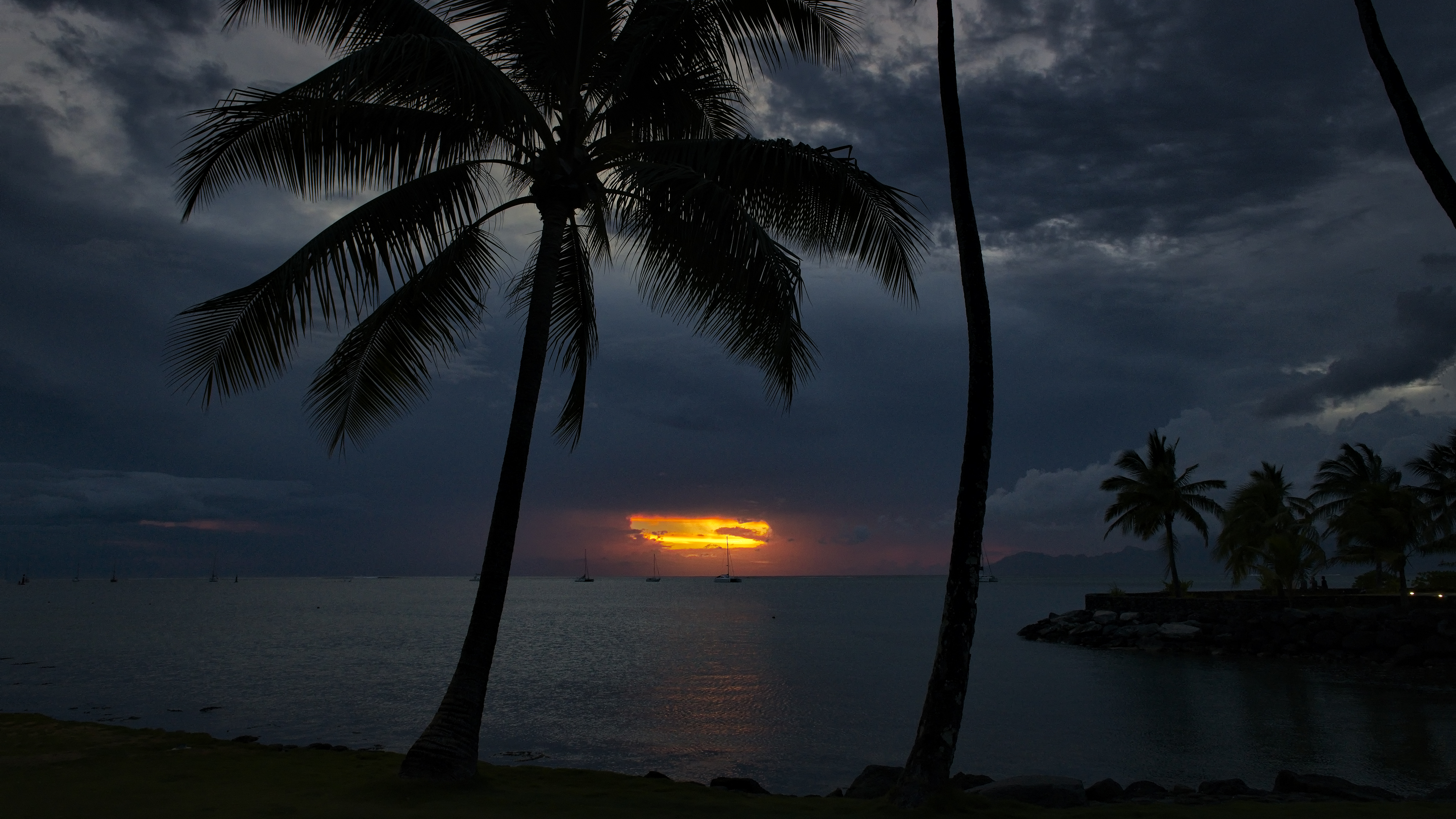 Intercontinental Tahiti Sunset