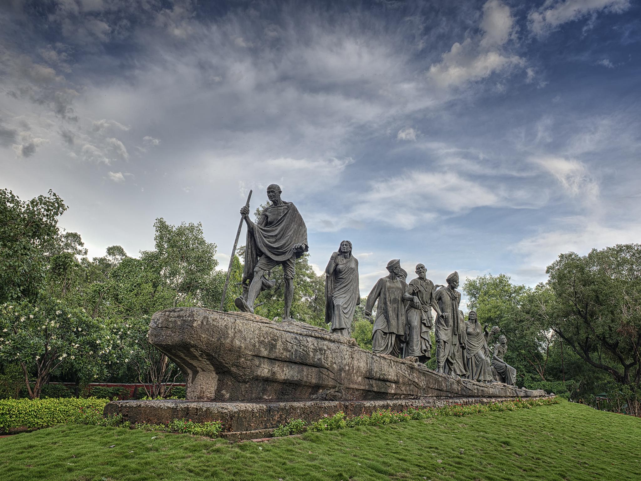 Delhi Statue