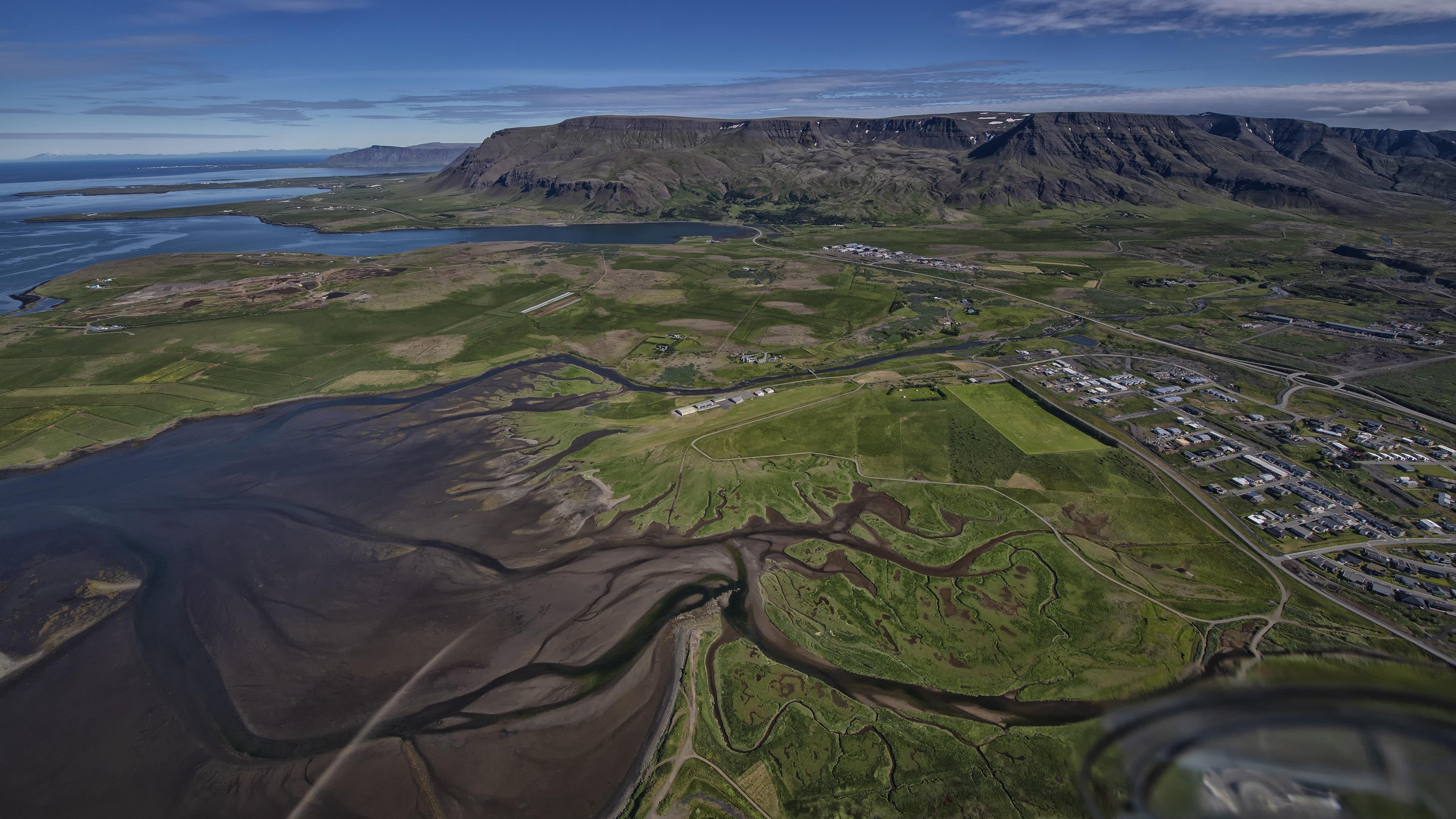 Leaving Reykjavik for our flight