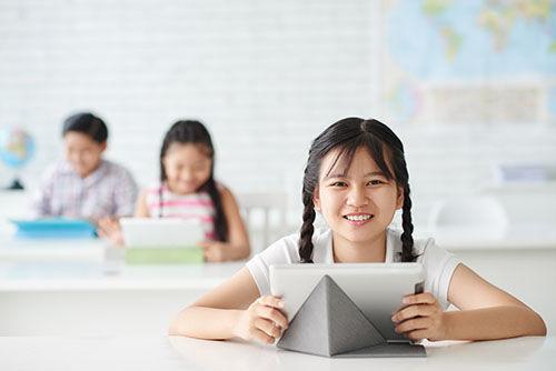 schoolgirl-NDX3ANA.jpg