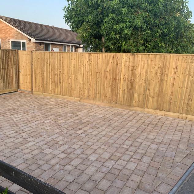 Wooden Closeboard Fence and Side Gate