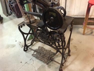 Skoaker symaskin fra ca 1900 allet
