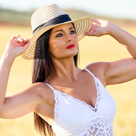 Raquel para TopHat Magazine Julio