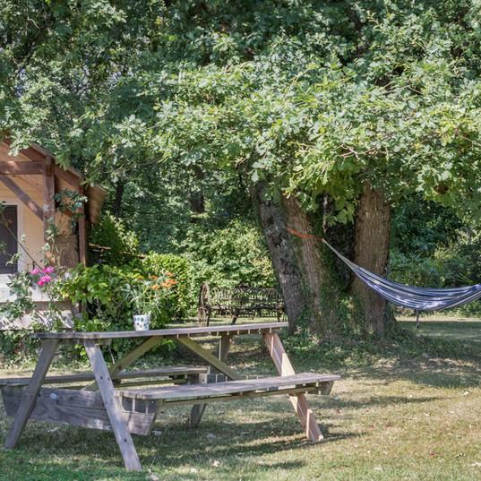 Tuin van de Gite au Lac - Les Cabanes de Rouffignac