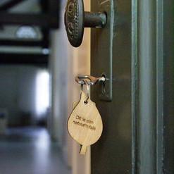 Deur en sleutel van de Gite au Lac 🌼 #n