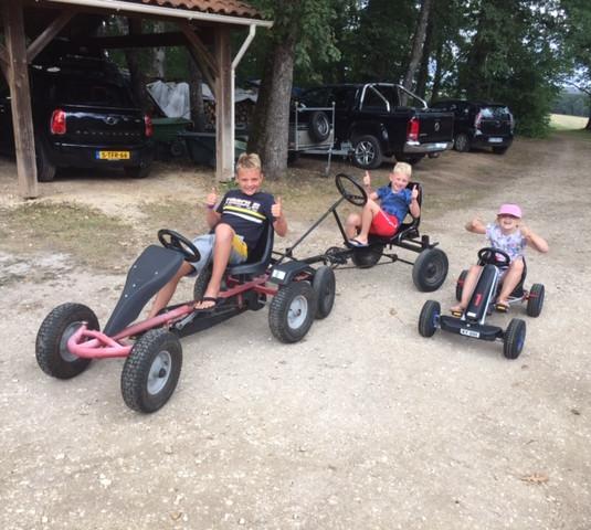 Go-Karts - Les Cabanes de Rouffignac.JPG