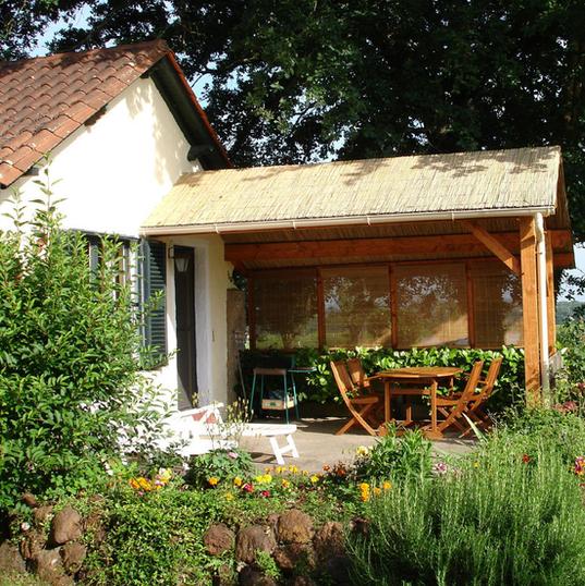 Terrasse Gite au Lac - Les Cabanes de Rouffignac