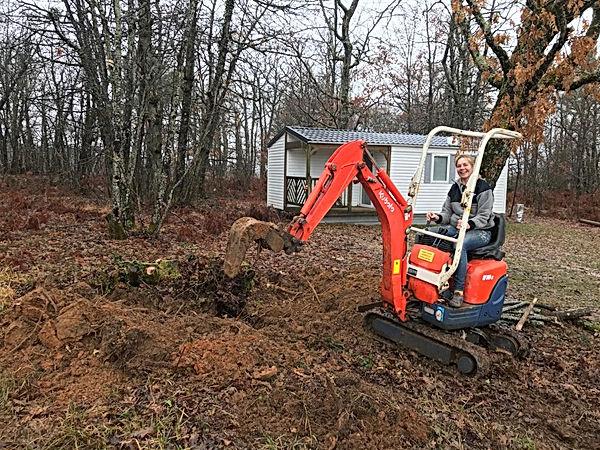 Wortels boomstronk uitgraven mobilhome -