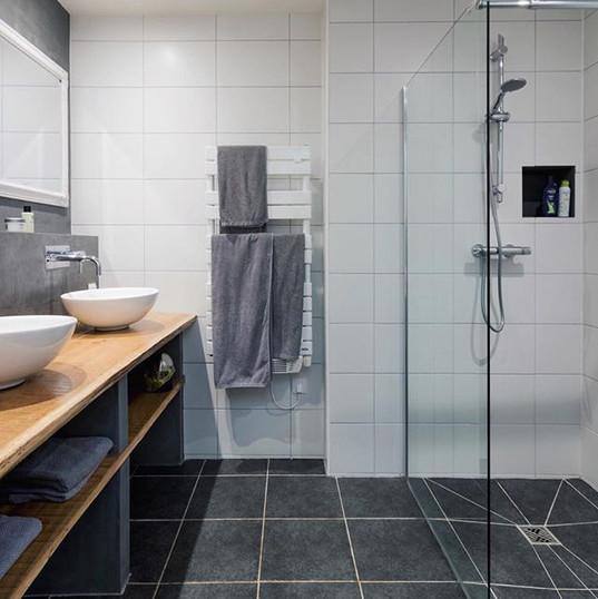 Badezimmer der Gite au Lac - Les Cabanes de Rouffignac🚿💦 # bathroo
