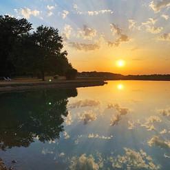 zonsondergang bij Les Cabanes de Rouffig